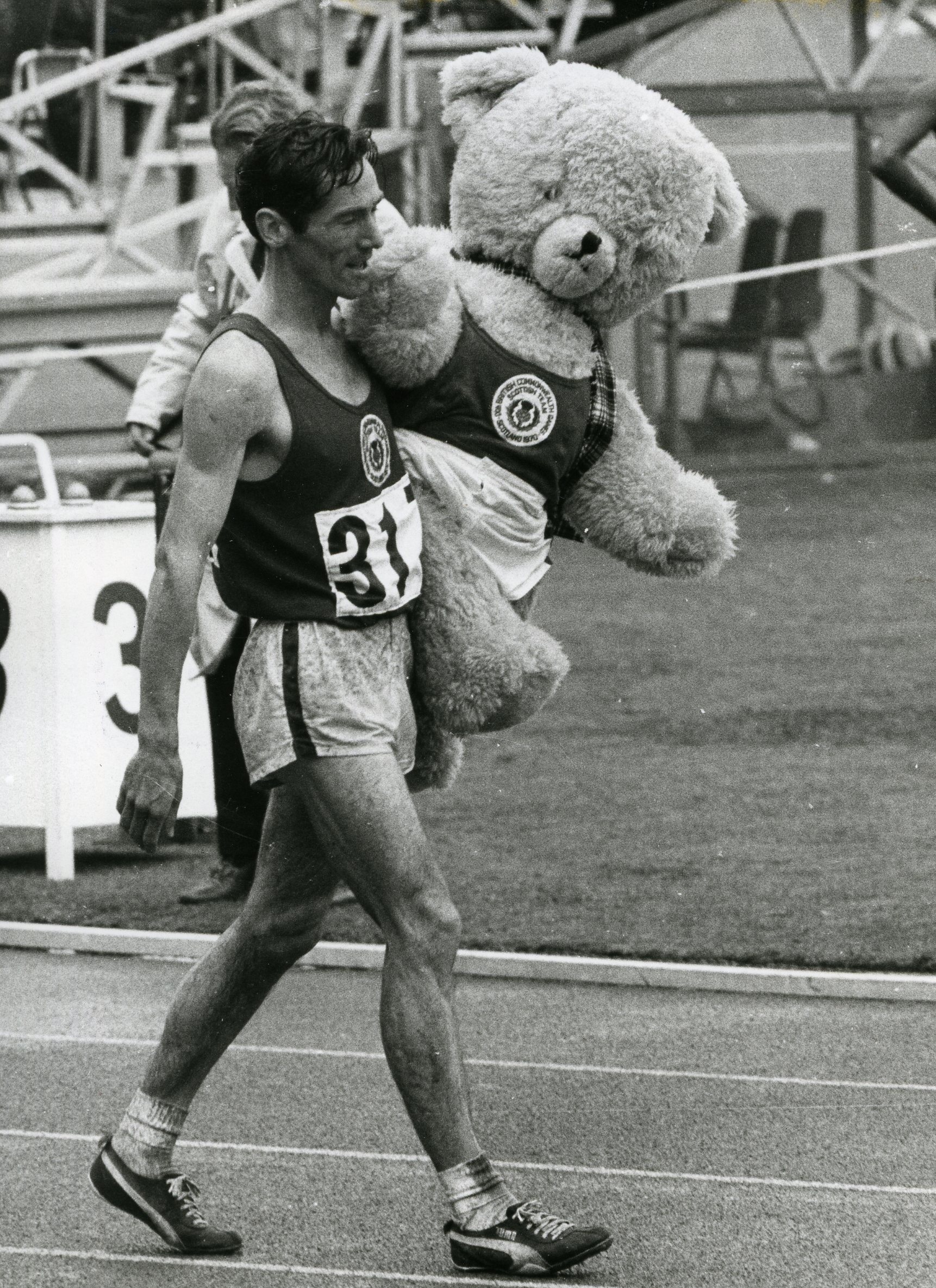 Lachie with Dunky Dick the unofficial mascot of the 1970 Edinburgh British Commonwealth Games