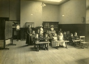 Schoolroom at the Scottish National Institution, c1915